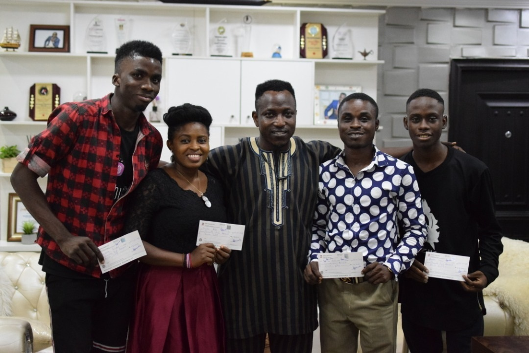 Olorunsheyi gives fresh business grants to young entrepreneurs